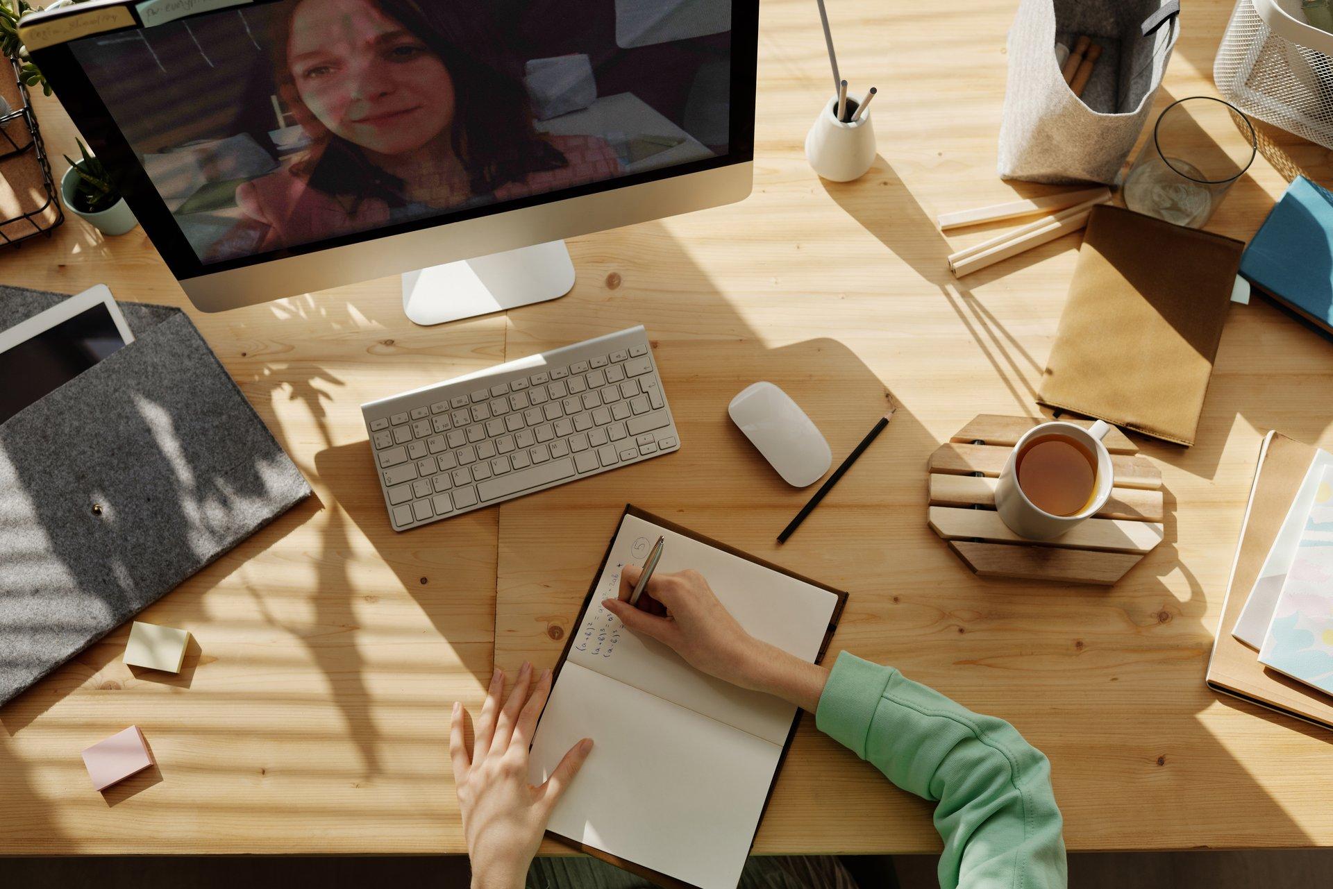 Formación en línea para representantes de los niños, profesores y directivos